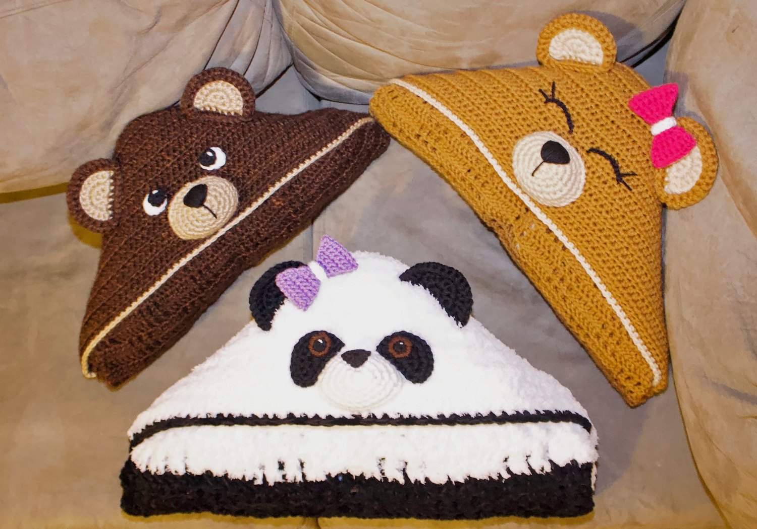 Easy Bear Hooded blanket