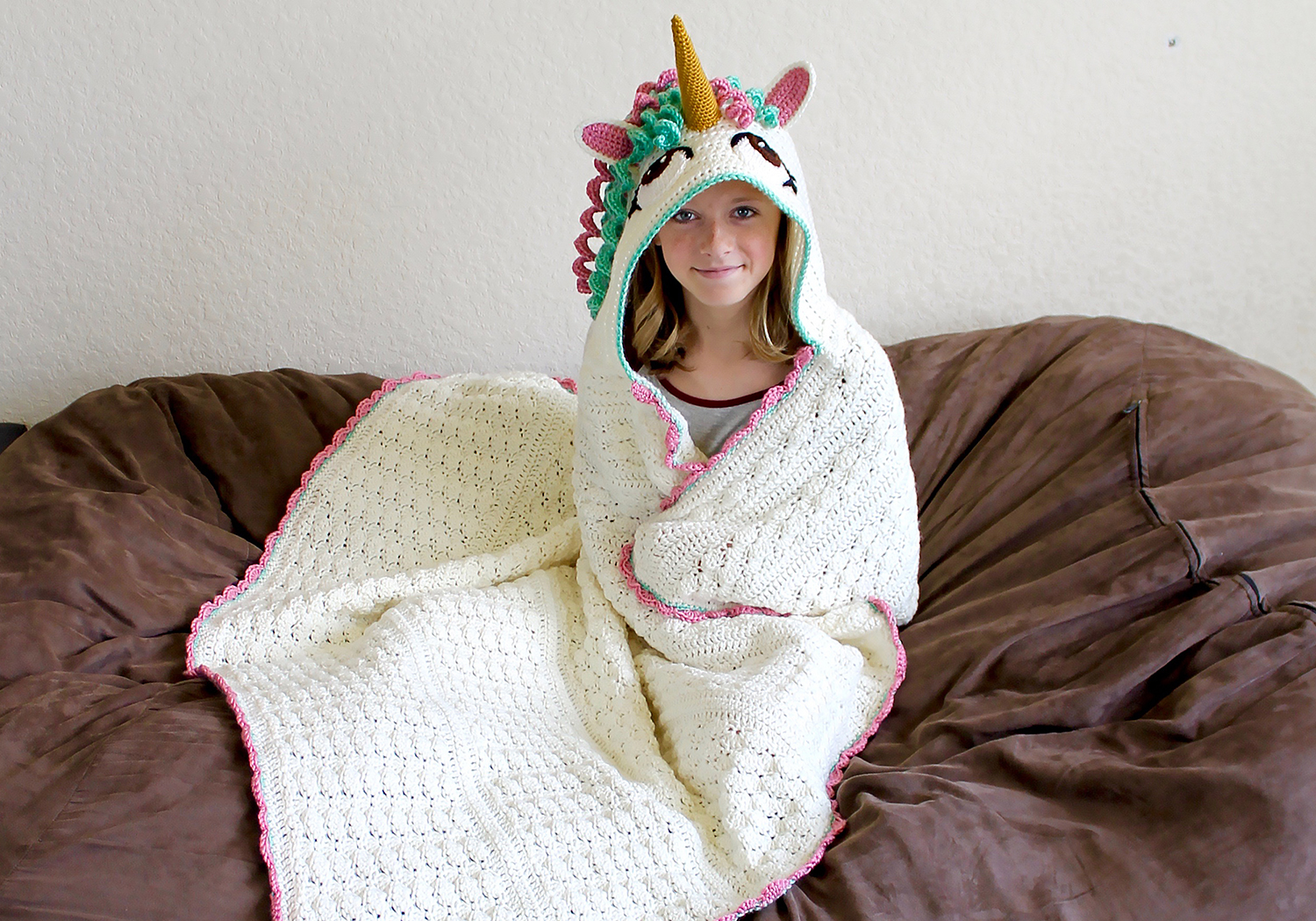 cute hooded unicorn blanket