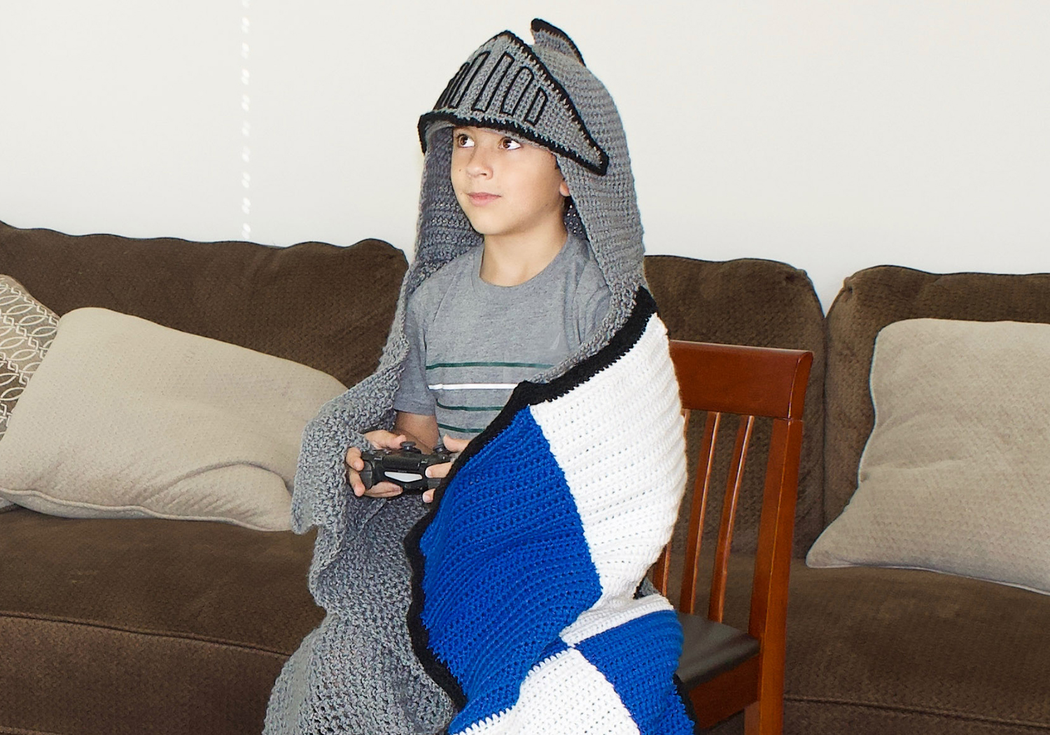 gamers hooded blanket